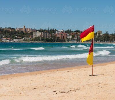 manly-beach-sydney-austockphoto-000061186-min