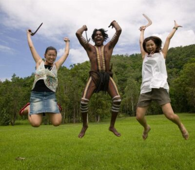 people-jumping-boomerang-throwing-3-min